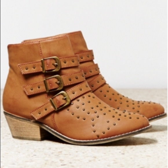 American eagle studded buckle strap boots